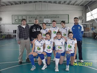 Sean with Elisa Perletto's Volleyball Team