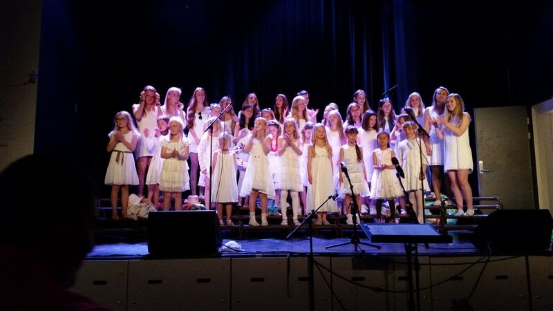 Sommerkonsert Røyken pike- og ungdomsskor med aspiranter 2015