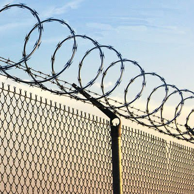 making razor wire fence acoording to the actual dimension of customer